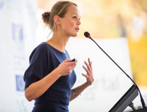 Überzeugen Sie mit der richtigen Körpersprache bei Präsentationen – 8 Tipps &Tricks